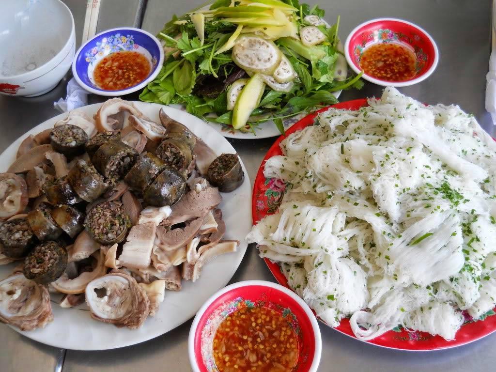 Fine rice vermicelli & pig's offal porridge