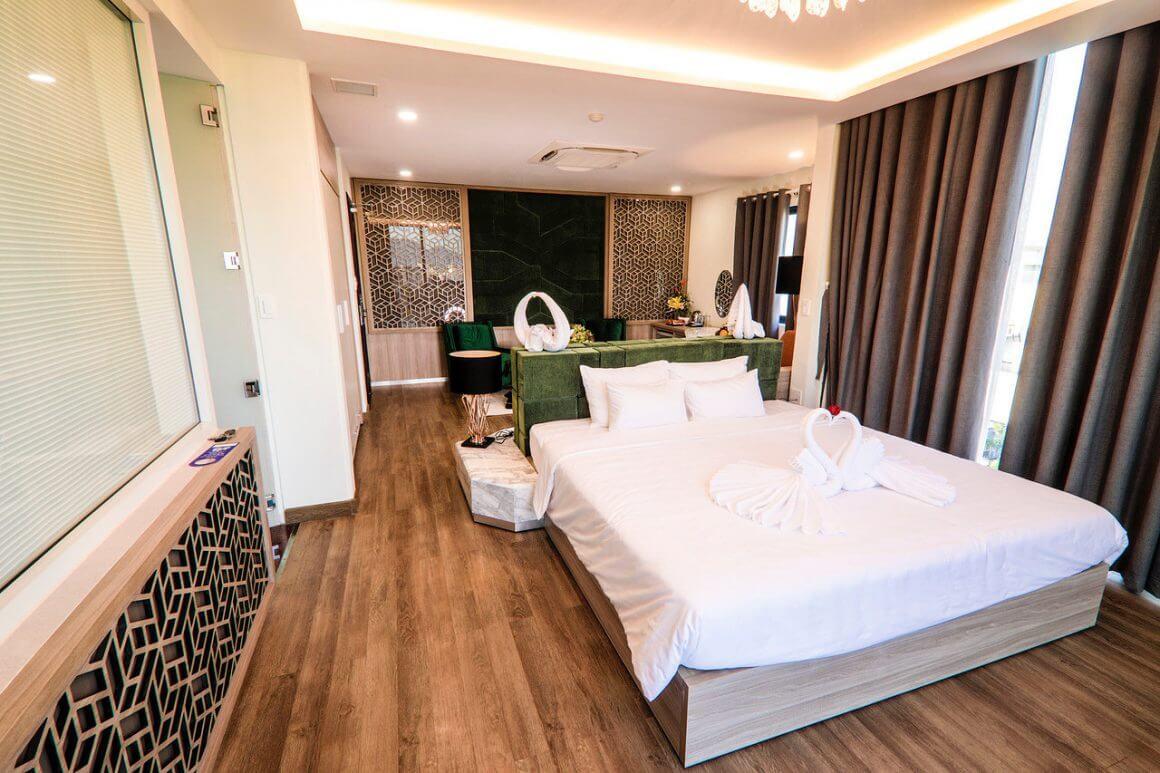 Lake View Quy Nhon Hotel