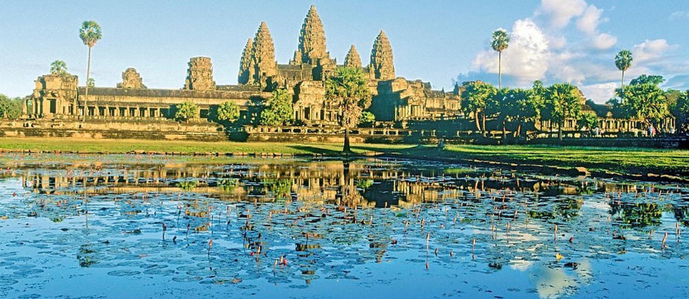 Siem Reap, Angkor Wat on a sunny day.